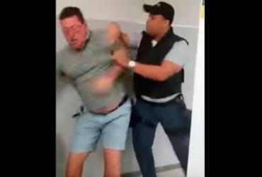 Cliente de banco é agredido após reclamar de demora no atendimento | Reprodução | YouTube
