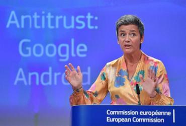 União Europeia impõe multa bilionária contra Google | John Thys l AFP