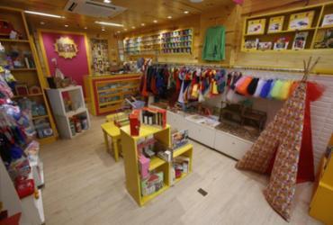 Loja aposta nos brinquedos 'de antigamente' para estimular infância criativa | Raul Spinassé / Ag. A TARDE