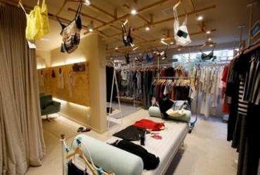 Loja na Pituba aluga roupas femininas de marcas famosas | Adilton Venegeroles / Ag. A TARDE