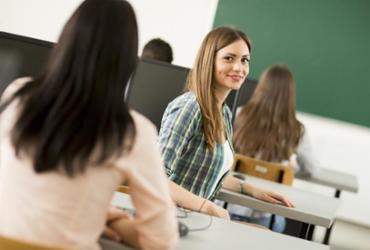 Bolsas de estudo disponibilizam até 50% de desconto em curso ENEM no segundo semestre