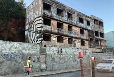 Trecho de Ondina é interditado para demolição de prédio neste fim de semana   Lorena Murici   Ag. ATarde