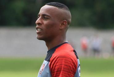 Lateral é vetado pelo DM e desfalca o Vitória contra o Sport | Maurícia da Matta l EC Vitória
