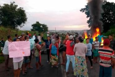 Moradores de Mata de São João protestam na BA-093 contra falta de água | Cidadão Repórter | Via WhatsApp
