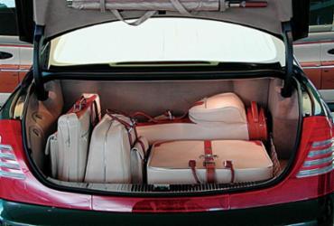Como aproveitar melhor o espaço do porta-malas   Divulgação