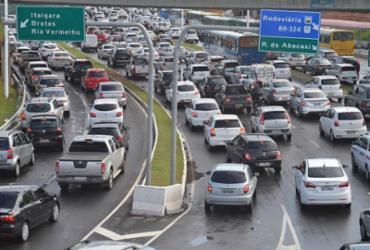 Volta às aulas coloca mais 1.100 veículos de transporte escolar nas ruas | Shirley Stolze | Ag. A TARDE | 18.04.2018