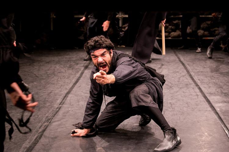 O ator Caio Blat representa o personagem Riobaldo