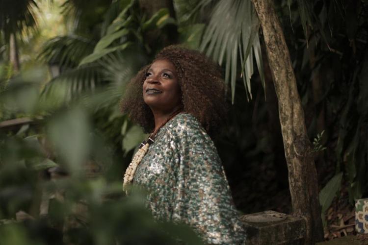 Zezé Motta participa hoje do projeto Mulher com a Palavra, no TCA, para falar sobre feminismos - Foto: Steph Munnier / Divulgação