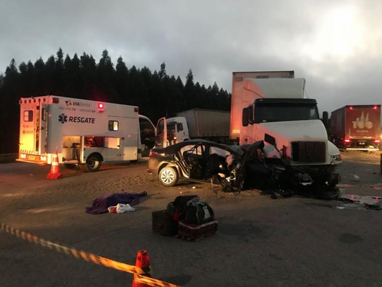 O motorista da carreta, que não tive o nome relevado, saiu do acidente sem ferimentos - Foto: Reprodução | Blog Nildo Freitas