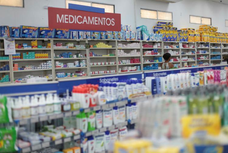 Genéricos corresponderam a mais de 70% das 4,3 bilhões unidades farmacológicas produzidas no ano passado - Foto: Raul Spinassé | Ag. A Tarde