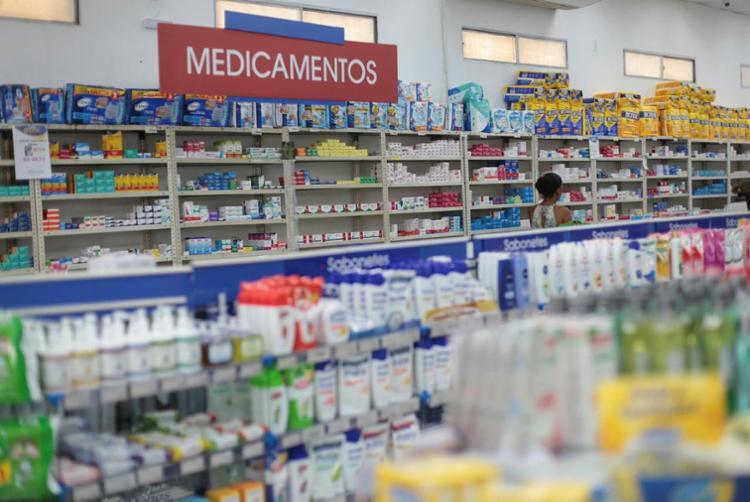 Para a FGV, os medicamentos seguirão pressionando a inflação até junho - Foto: Raul Spinassé | Ag. A TARDE