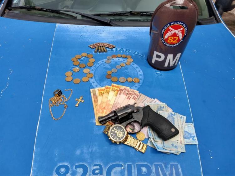 Material apreendido pela polícia com os suspeitos - Foto: Divulgação   PM