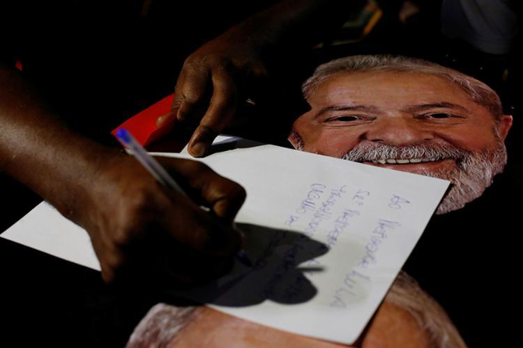 Ato no Rio Vermelho defendeu candidatura - Foto: Adilton Venegeroles l Ag. A TARDE