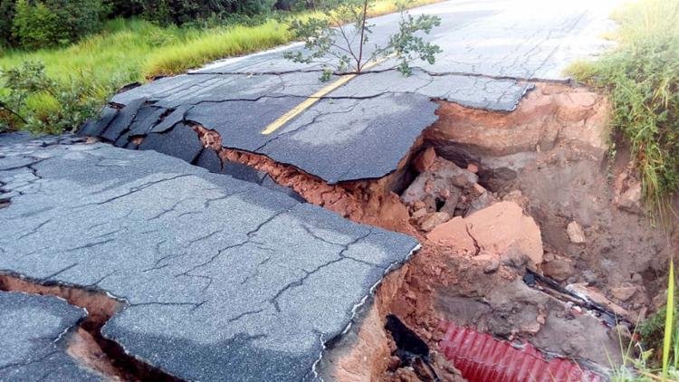BA-001 foi danificada e está comprometida pelas chuvas na zona rural de Belmonte - Foto: Divulgação