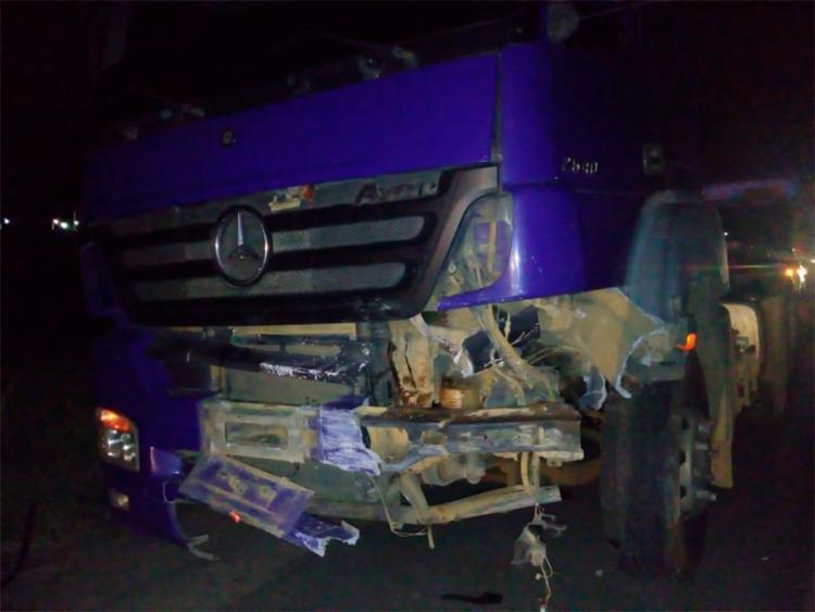 Motorista da carreta não ficou ferido
