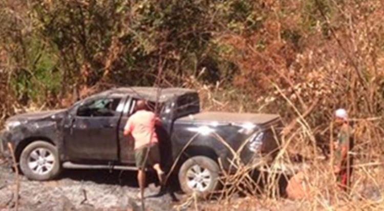 Carro, que estava carregado de areia, saiu da pista - Foto: Reprodução   Blog do Braga