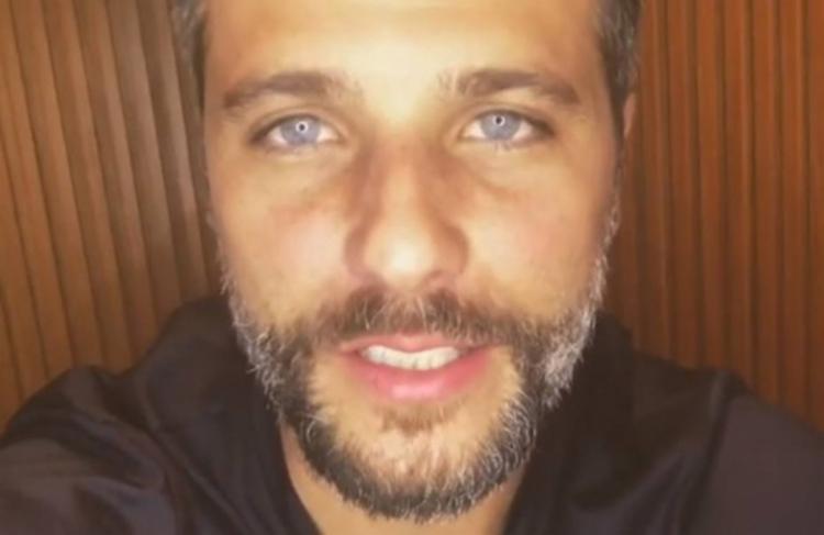 'É obrigação de todos nós constranger e vigiar nosso círculo social', diz texto postado por ator - Foto: Reprodução l Instagram l @brunogagliasso