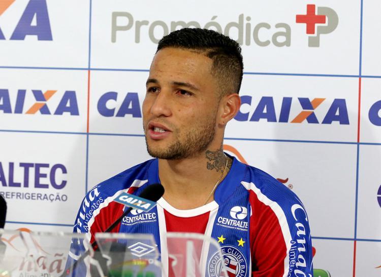 O jogador de 32 anos vem por empréstimo do São Paulo, até o final da temporada - Foto: Felipe Oliveira l EC Bahia
