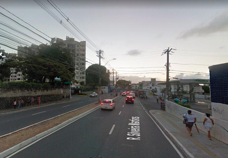 Tubulação rompida afeta os dois sentidos da Silveira Martins - Foto: Reprodução | Google Maps