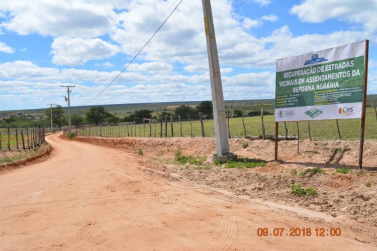 As obras de construção da estrada que vai ligar o povoado de Bom Jardim à comunidade do Rosário conta com um investimento de mais de R$ 750 mil - Foto: DIvulgação