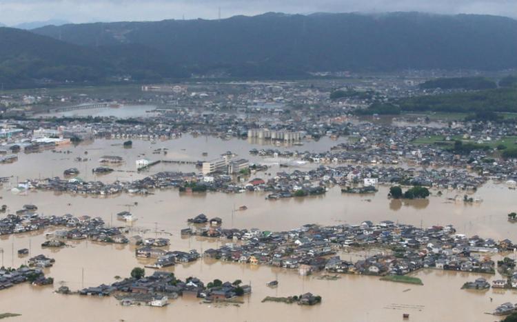 Forte chuva afetou as cidades de Hiroshima e Ehime, onde ocorreram deslizamento de terra e inundações - Foto: AFP | Jiji Press