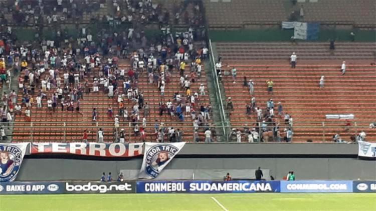 Tumulto aconteceu antes de a bola rolar para a partida da Copa Sul-Americana - Foto: Reprodução