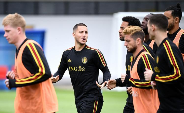 Hazard (centro), Kevin de Bruyne e Lukaku são as principais estrelas dos Diabos Vermelhos - Foto: Franck Fife | AFP