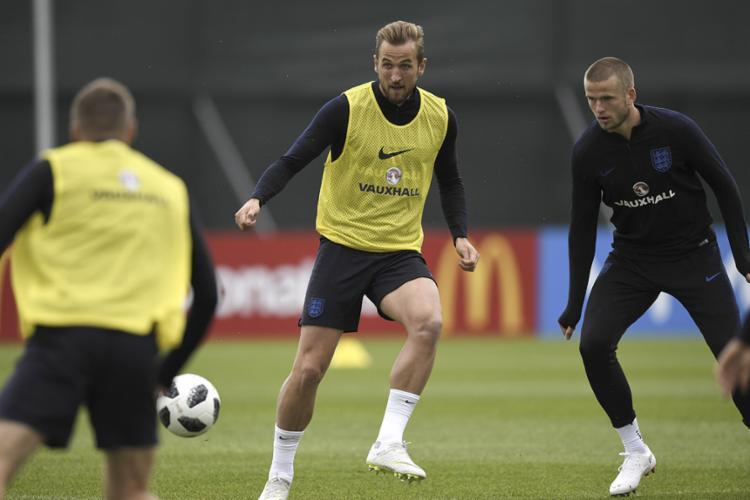 O artilheiro do Mundial, Kane, com cinco gols, é a principal arma dos ingleses no ataque - Foto: Gabriel Bouys | AFP