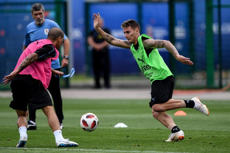 Uruguai, que voltou aos treinos, disputa com a França vaga na semifinal - Foto: Martin Bernetti | AFP