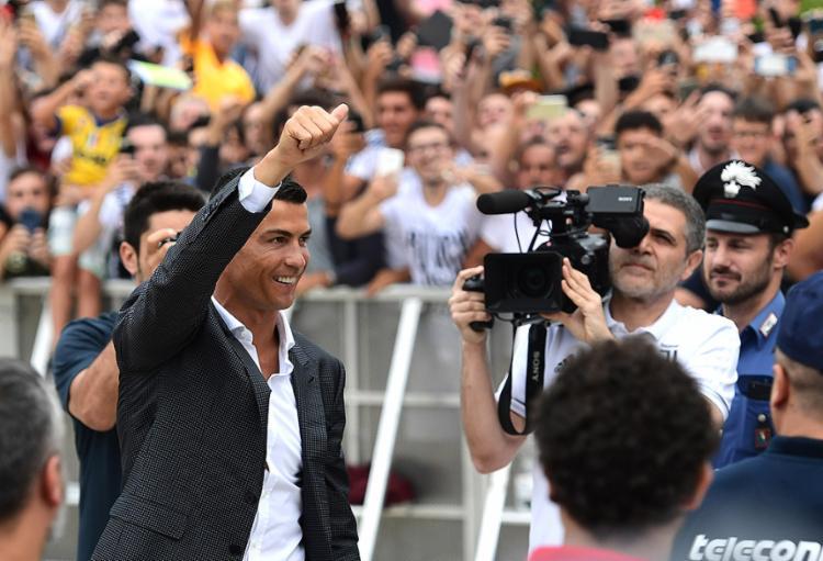 Cristiano Ronaldo foi oficialmente apresentado como jogador da Juventus. Craque vai manter número sete na camisa bianconera - Foto: Miguel Medina l AFP