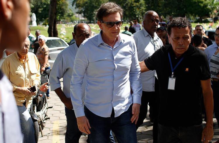 Evento promovido pelo prefeito do Rio ofereceu auxílio em cirurgias de cataratas e varizes para fiéis - Foto: Luciano Belford l Agif l Estadão Conteúdo