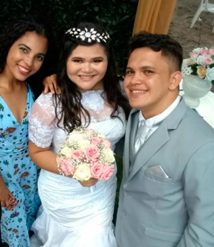 Késia no casamento de uma amiga virtual realizado no Ceará - Foto: Divulgação