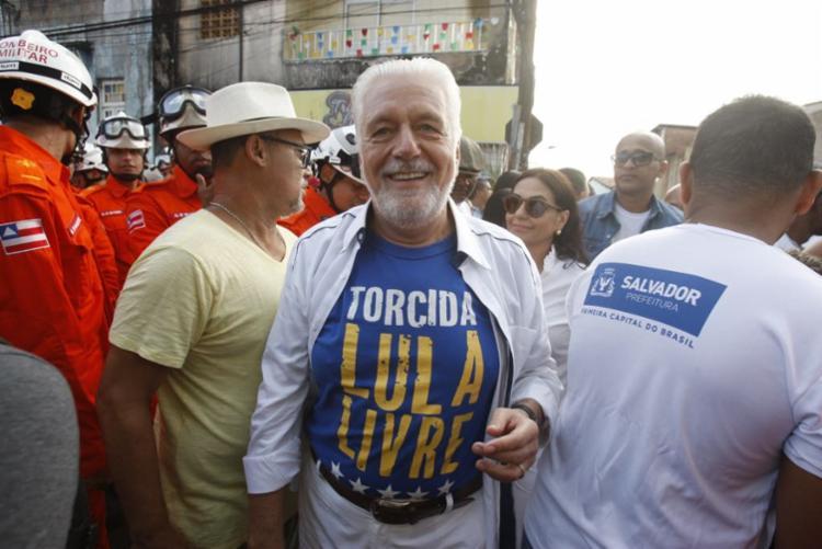 Ex-governador usou camisa de campanha em prol da liberdade de Lula - Foto: Luciano da Matta | Ag. A TARDE
