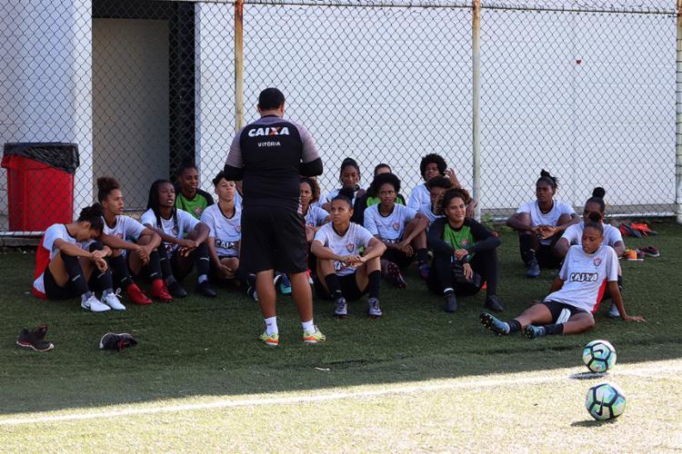 As Leoas estão invictas e têm a melhor defesa do campeonato - Foto: Maurícia da Matta