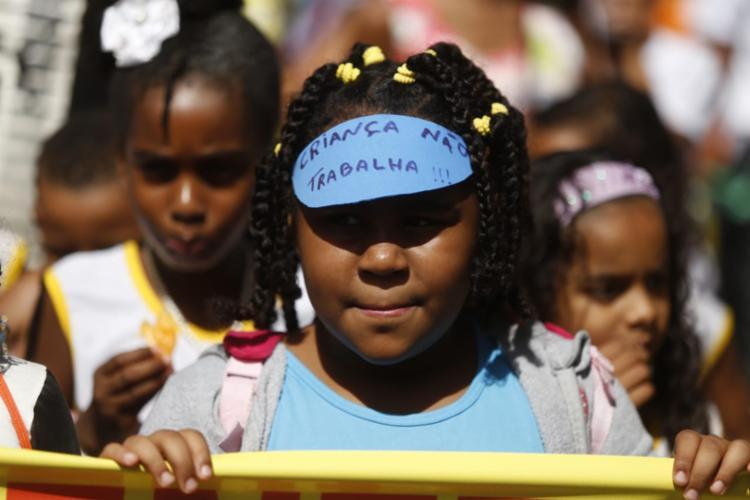 Na cabeça, um dos lemas da mobilização que saiu do Campo Grande