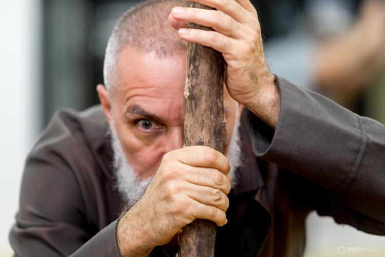 Peça mostra peregrinação de Antônio Conselheiro durante a Guerra de Canudos - Foto: Diney Araújo | Divulgação