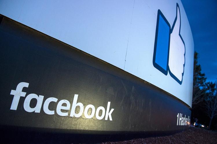 A empresa retirou do ar rede de contas ligadas ao MBL antes das eleições 2018 - Foto: Josh Edelson l AFP