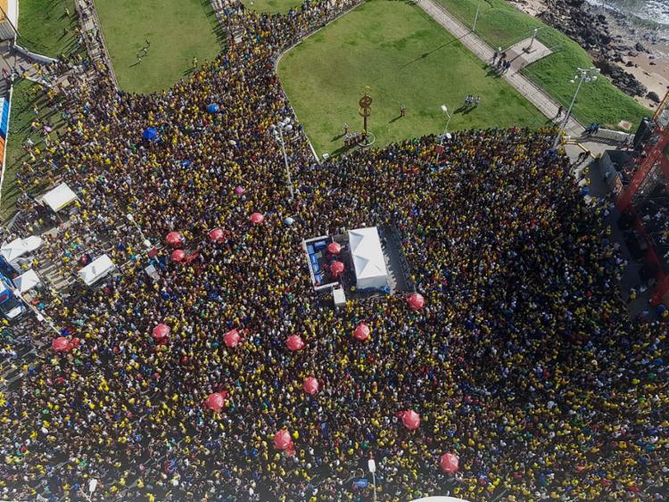 Cerca de 20 mil pessoas foram ao Farol para ver Brasil x México - Foto: Divulgação l Polícia Militar