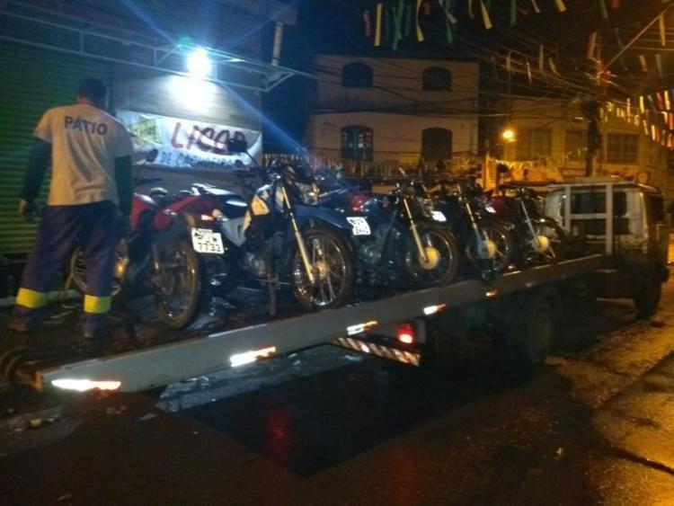Nove motos foram encontradas na festa tipo paredão