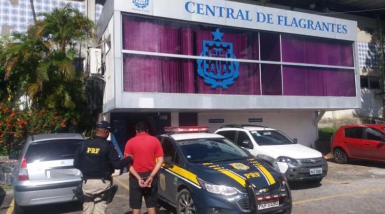 Homem tinham dois mandados expedidos em 2012 - Foto: Divulgação | PRF