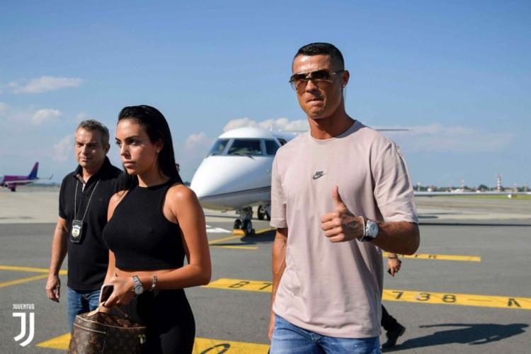 O craque viajou para a Itália para se apresentar à Juventus, seu novo clube - Foto: Reprodução | Juventus