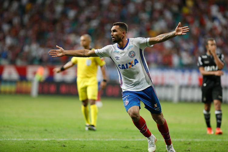Atacante Gilberto voltou a deixar sua marca na Fonte Nova - Foto: Tiago Caldas l Ag. A TARDE