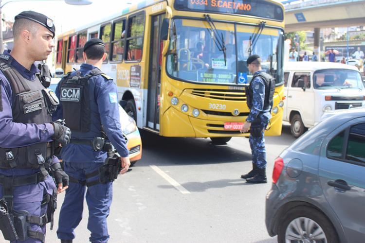 Fios eram furtados de postes e sinaleiras nas vias públicas - Foto: Divulgação