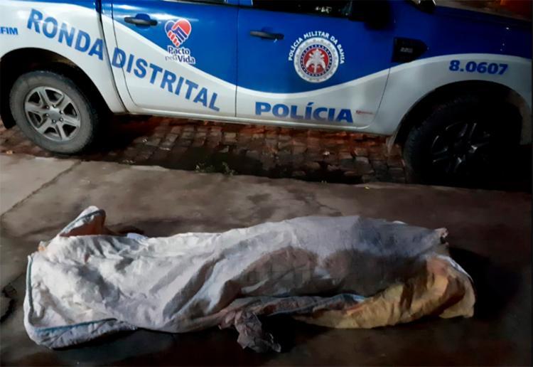 A vítima conseguiu correr 250 metros, mas não resistiu as ferimentos - Foto: Reprodução | Blog Netto Maravilha