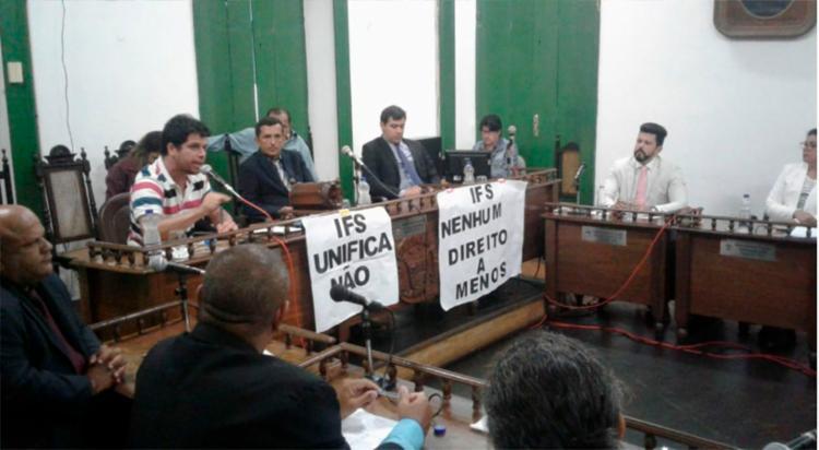 Em audiência realizada na Câmara de Vereadores, representantes dos institutos afirmaram não apoiar a unificação