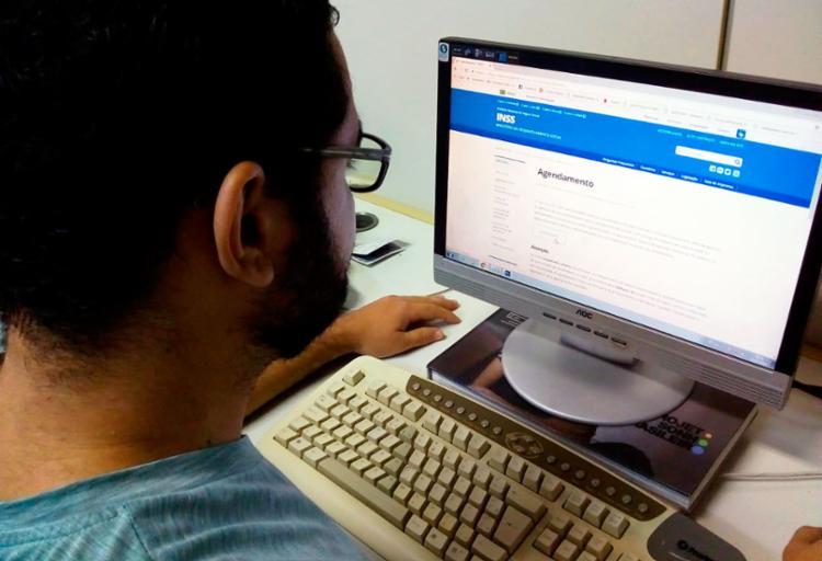 Novo modelo de atendimento foca nos serviços online para reduzir filas - Foto: Thaís Seixas | Ag. A TARDE