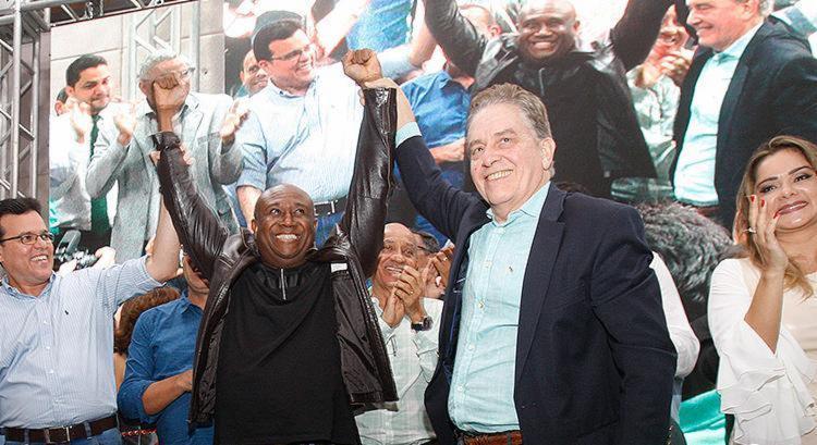 Irmão Lázaro e o presidenciável Paulo Rabello de Castro - Foto: Luciano Carcará l Ag. A TARDE
