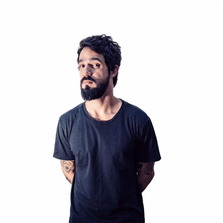 O cantor Pedro Pondé irá apresentar sucessos autorais e clássicos da MPB