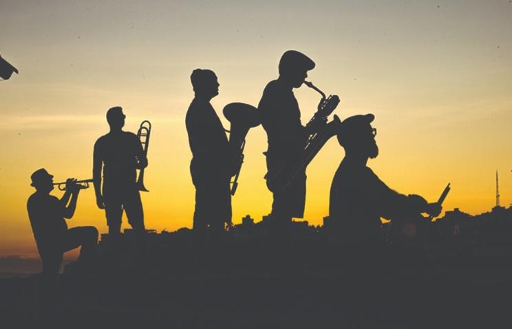 Banda SSA é conhecida pelo som marcante com clássicos da World Music
