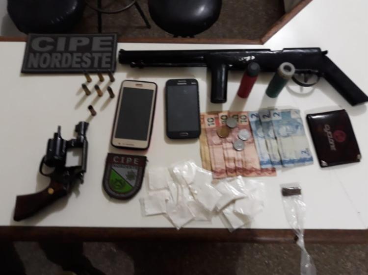 Armas e munições foram encontradas na lanchonete
